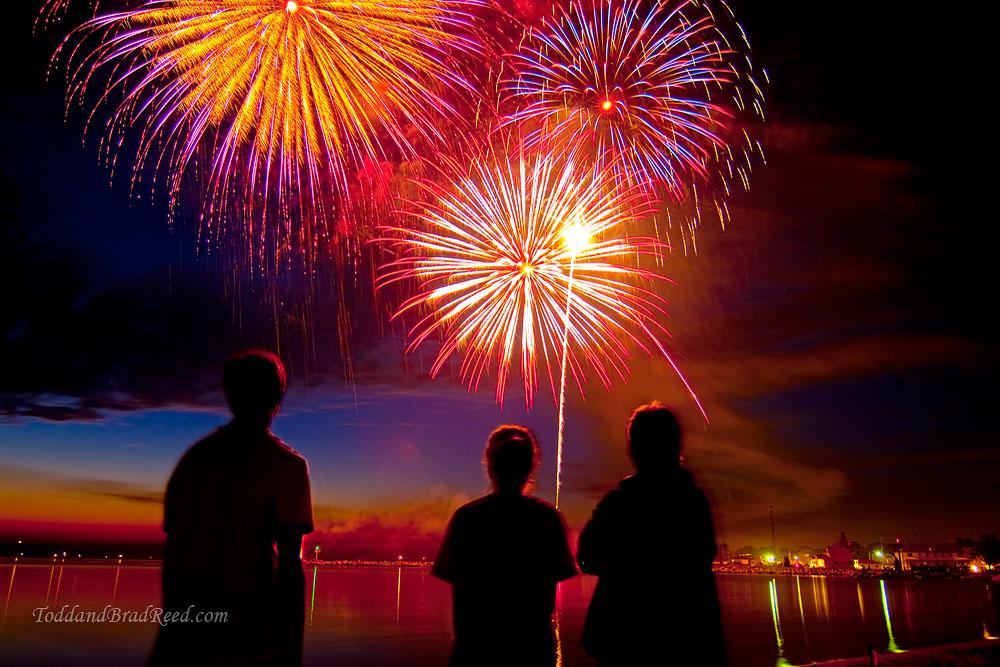 Todd-Reed_3015_Fireworks-Viewers (1).jpg