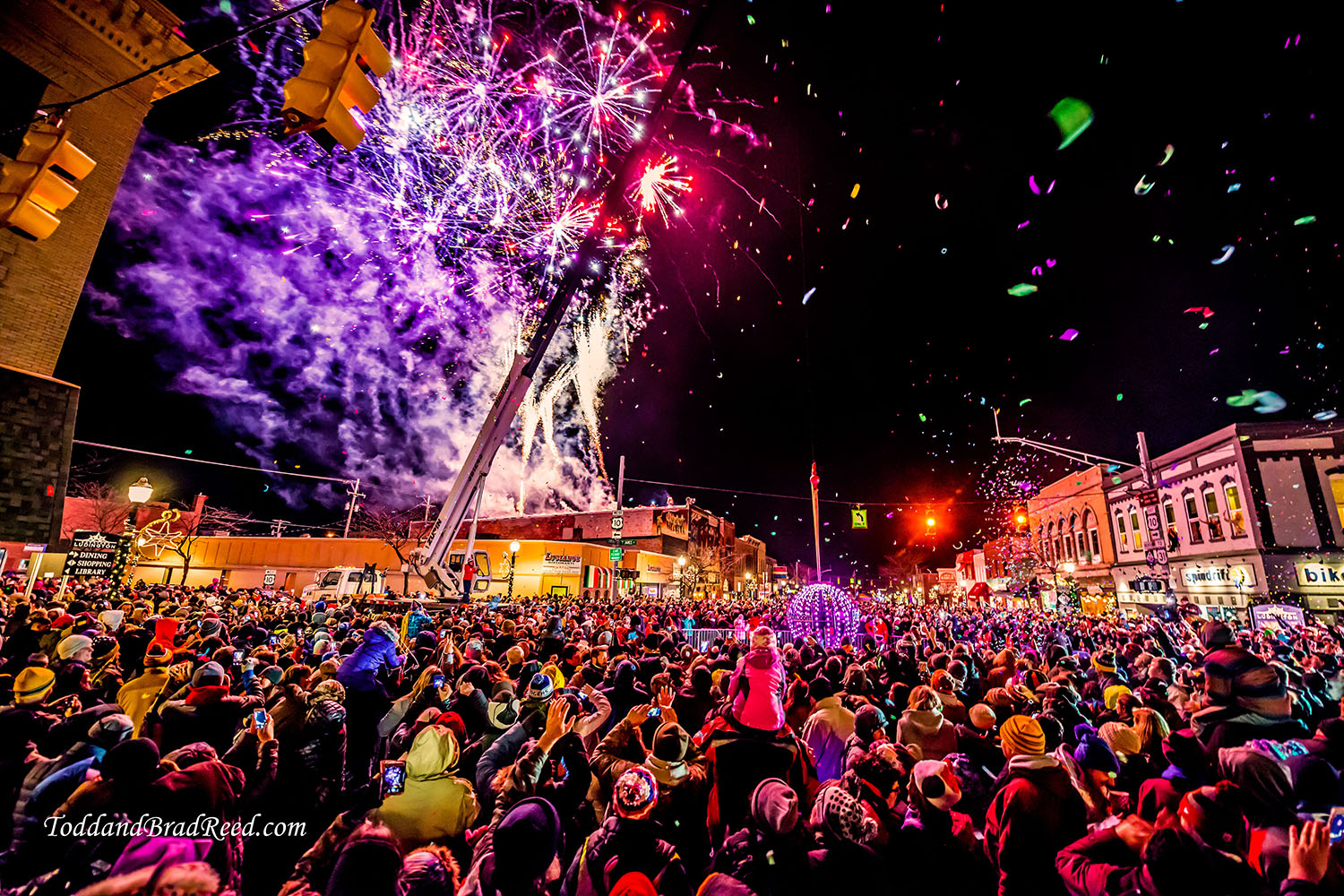 Todd Reed_0763_Ludington Celebrates 2017_Ball drop in downtown Ludington_1_01_2017_1500px_Website Watermarked.jpg